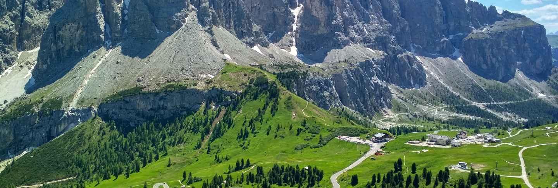 Great view of the top cadini di misurina range in national park tre cime di lavaredo. dolomites,