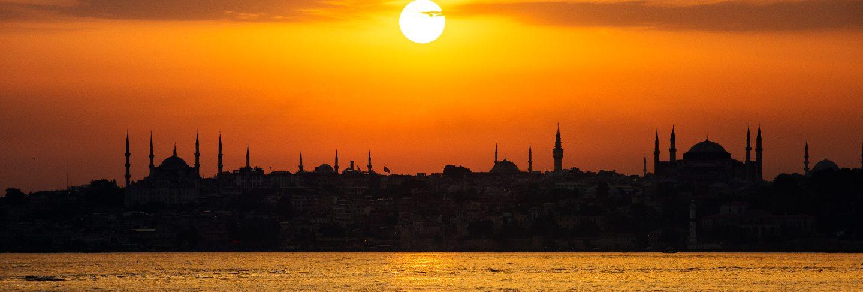 Scenic of sunrise over the ocean in istanbul turkey