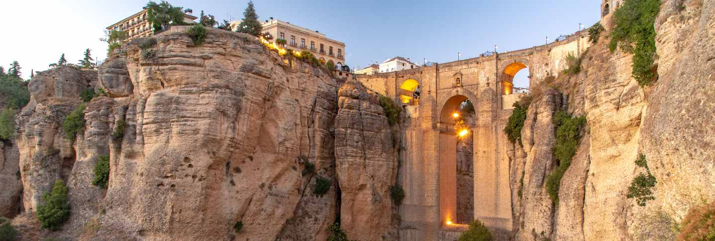 Travel sightseeing at ronda, ronda cliff vacation in spain