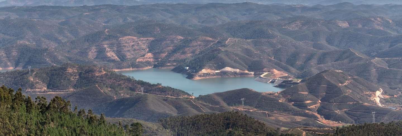 Odelouca dam in monchique. portugal, algarve